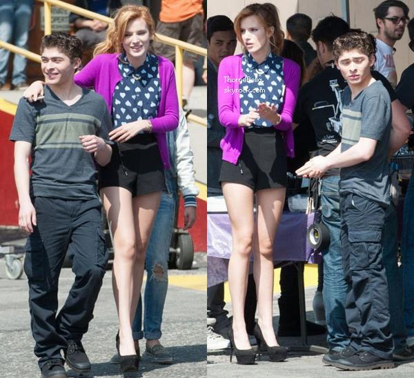 """Bella sur le tournage du nouveau film Disney """"Mostly Ghostly II"""" le 22 mars 2014."""