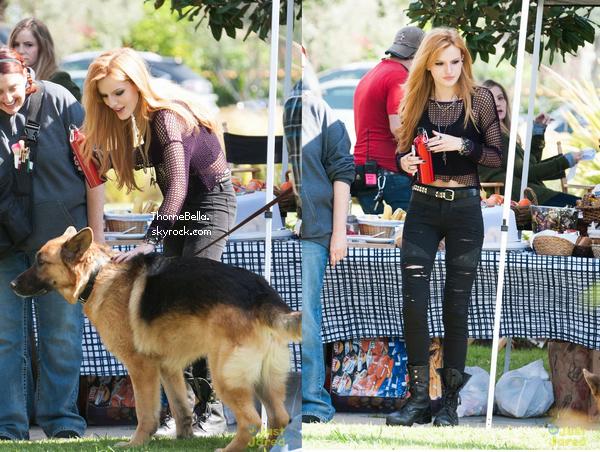 """Bella sur le tournage de son nouveau film """"Amityville"""" le 3 avril 2014."""