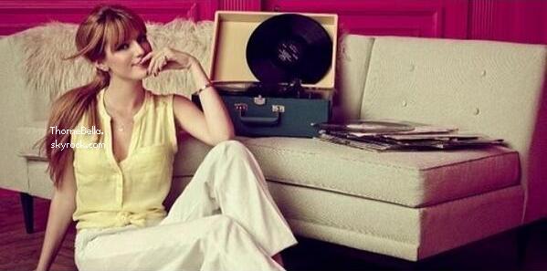 Bella répétant pour son nouveau clip le 5 avril 2014.