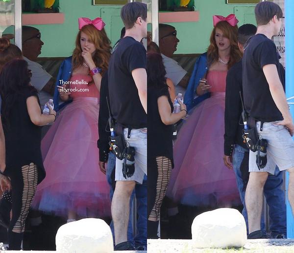 Bella sur le tournage de son nouveau clip le 6 avril 2014. (Partie 2)