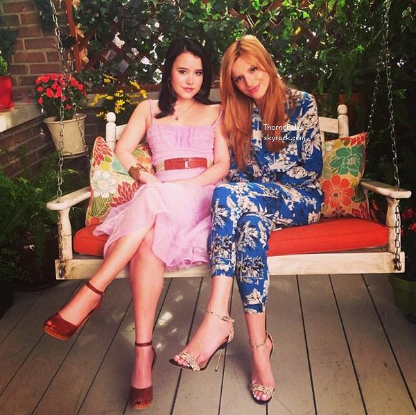 """Bella sur le tournage de """"Amityville"""" le 17 avril 2014."""