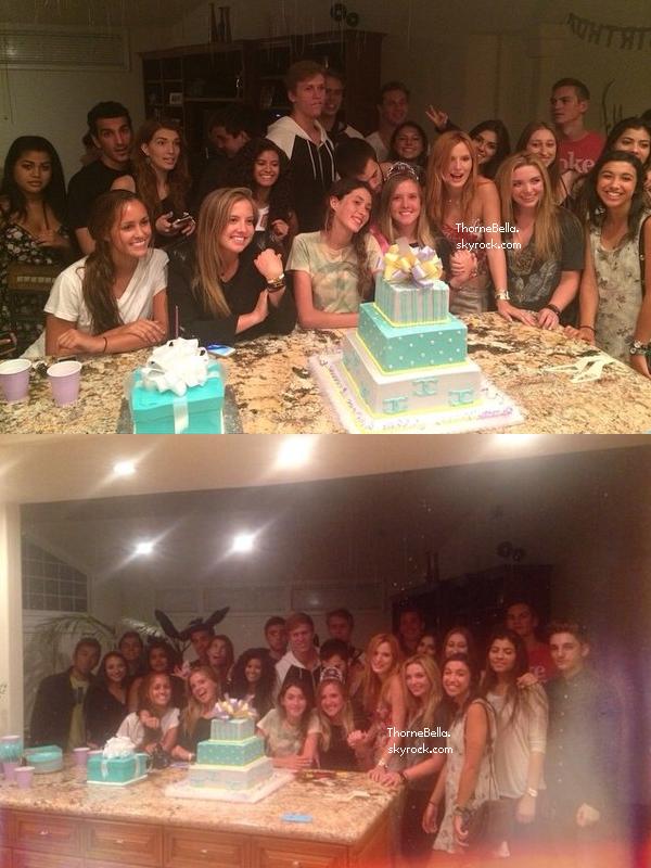 Les amis de Bella P. ont réalisé une fête surprise pour son anniversaire le 9 août. Elle a fêté ses 18 ans.