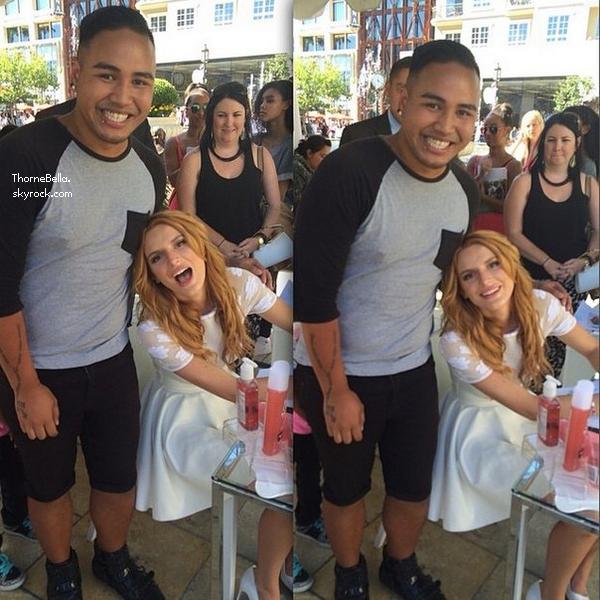 Bella a été un meet&greet pour les Teen Vogue Back To School le 23 août 2014.