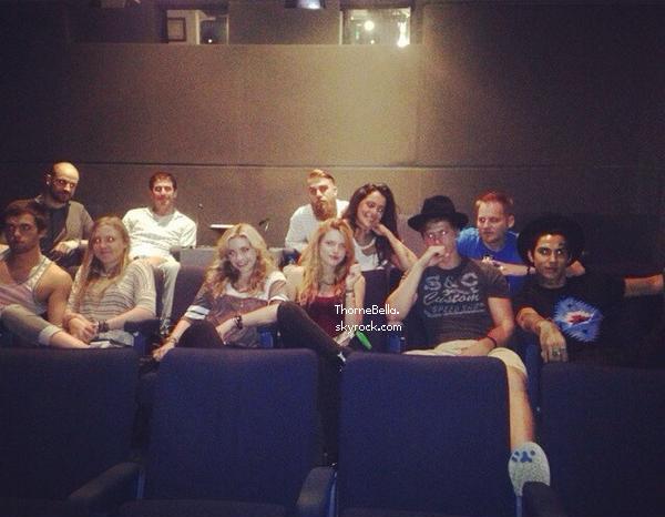 Bella, sa famille et ses amis ont assisté à la projection privée de Home Invasion.