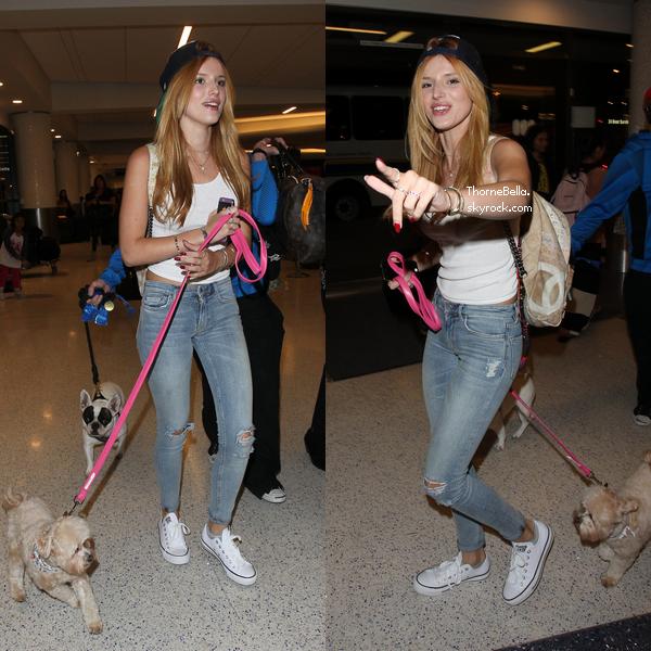 Bella à l'aéroport de LAX pour prendre un vol en direction des NYC le 5 septembre 2014.