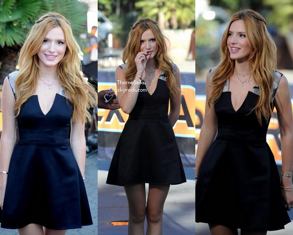 Bella a l'émission Extra pour y donner une interview à propos de son album, de son film Alexander le 15 septembre.