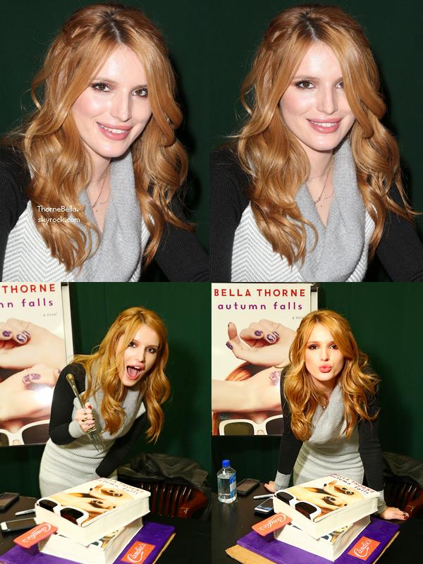 Bella a un meet&greet chez Barnes&Noble pour signer son livre Autumn Falls le 11 novembre.