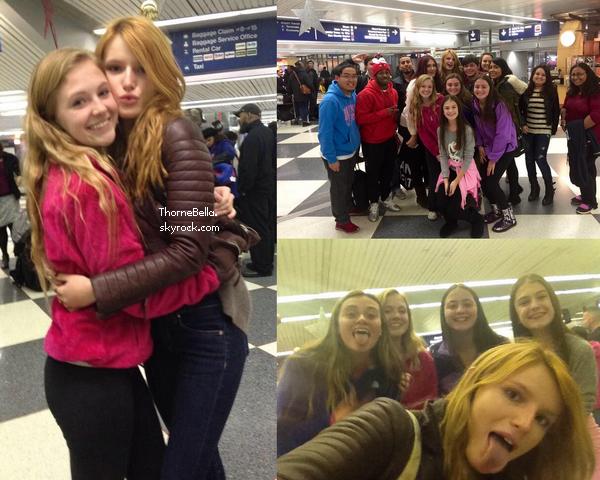 Bella a été vu à l'aéroport de LAX le 14 novembre. Elle se rend à Chicago pour une séance de dédicace.