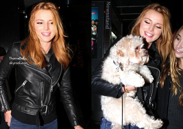 Bella et son amie Alexia de sortie dans les rues NYC le 3 décembre.