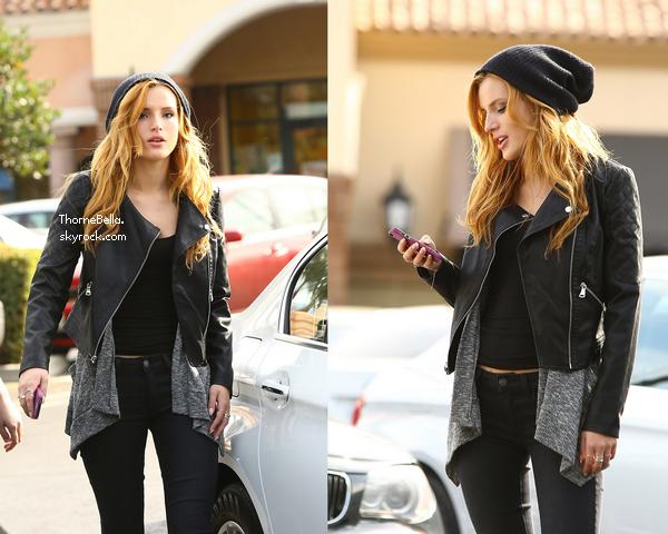 Bella dans les rues de Los Angeles le 13 janvier.