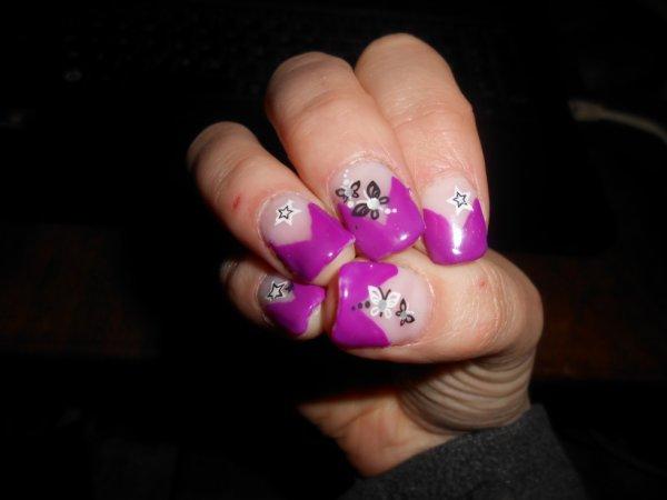 Mes ongles a moi ; Fait moi même.