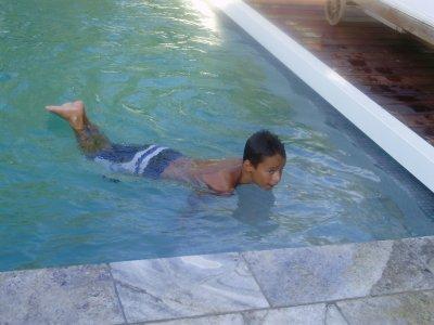 toujours ma piscine !!! :)