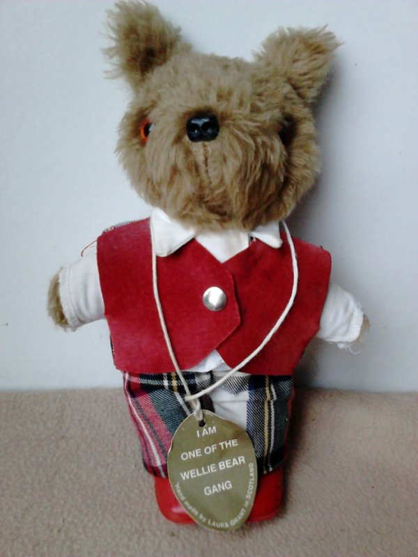 OURS WELLIE BEAR LAURA GRANT SCOTLAND