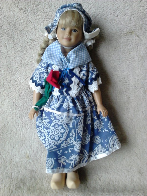 unimax ltd 1995 offert par collection dolls a nadette62