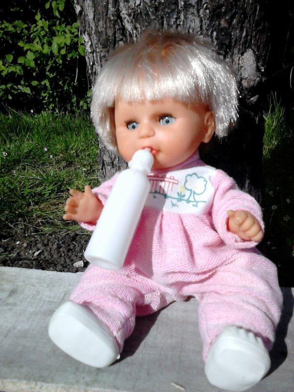 bebe garcon biberon