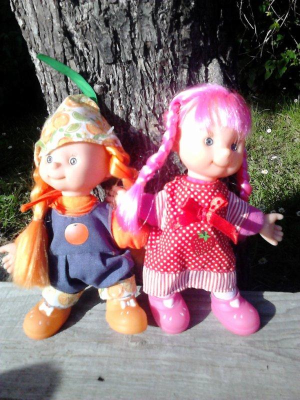 2 poupee fruit dolls