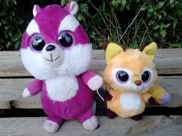 2 peluches yoohoo & friends