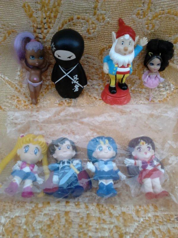 figurines diverses mangas sakura etc...