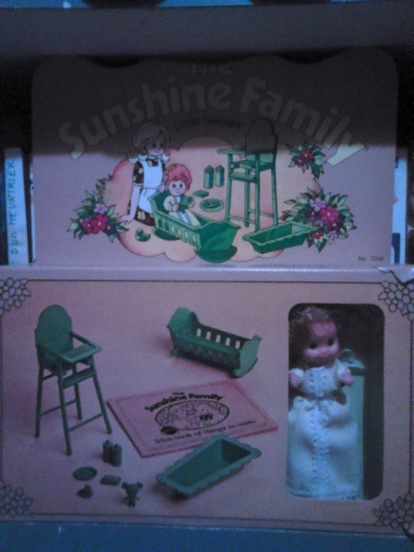 bebe de sunshine family 1974 poupee de mon enfance avec meubles et accessoires