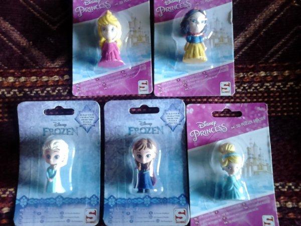 5 figurines gommes princesse disney
