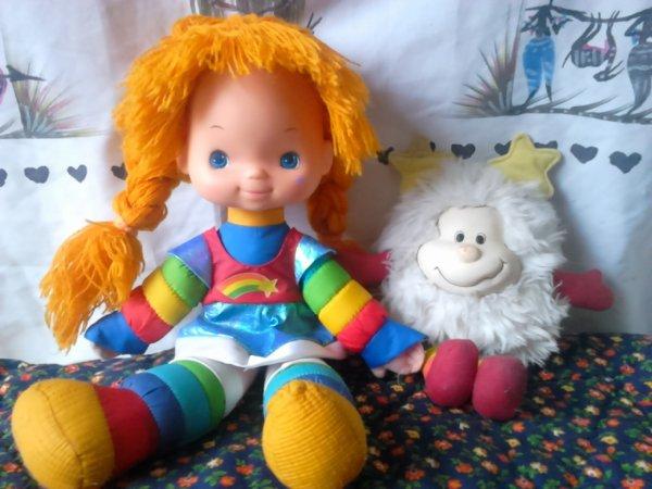 poupée rainbow brite 48cm et son doudou