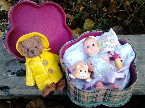 cadeau de nadette62 confectionnes par elle les accessoires et lit de bb