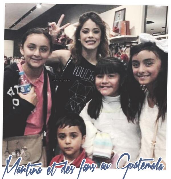 . Martina et des fans au Guatemala. .