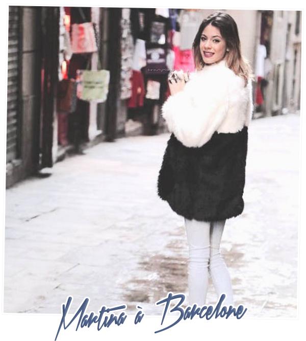 . Martina dans les rues de Barcelone. .