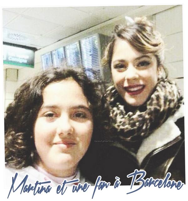 . Martina et une fan à Barcelone.. .