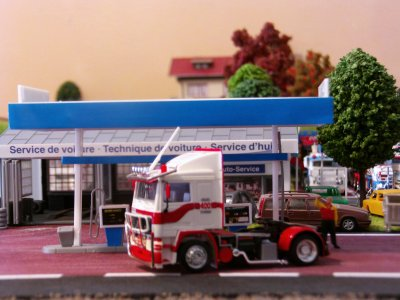 herpa volvo f 10 (base amw et pieces herpa)