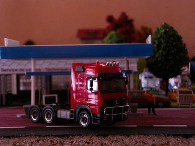 actros megaspace 580 classic herpa