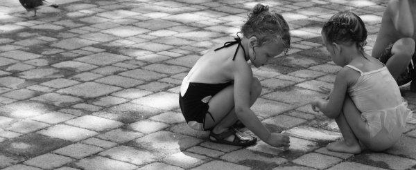 L'enfance, l'insouciance, l'innocence.