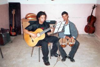صورة للفنان حسام ريف سنة 1999 في امسية موسقية بامدينة بركان houssam rif