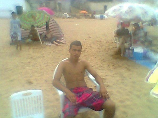 toujours moi sur la plage tipaza