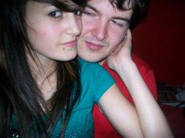 Je t'aime non seulement pour ce que tu es mais pour ce que je suis quand nous sommes ensemble. - First Love .