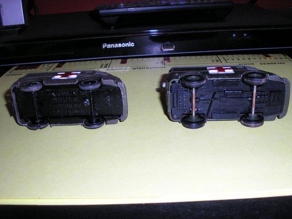 Aujourd'hui la 3° Ambulance 4X4 militaire Dinky Toys