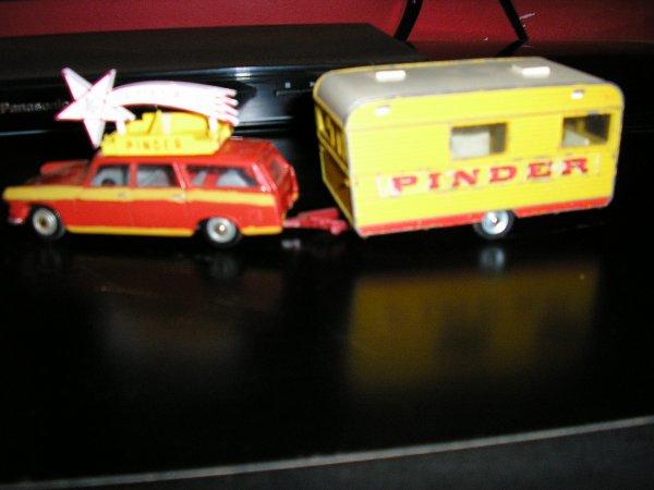 Retournons pour un temps aux Dinky Toys