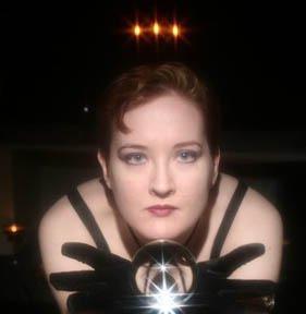 Michelle Belanger Auteur de nombreux romans sur le vampirisme, psychic vampire  codex...