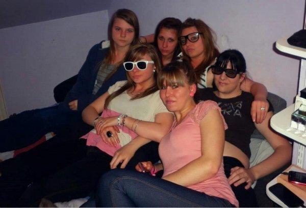 - Elles