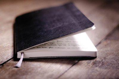 Certains livres ne sont qu'une simple succession de mots.