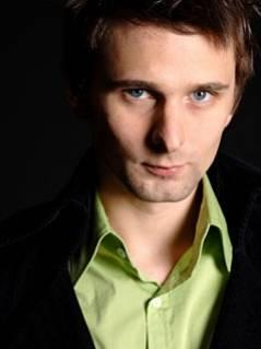Matthew Bellamy : Chanteur, Guitariste, Pianiste et Compositeur de Muse