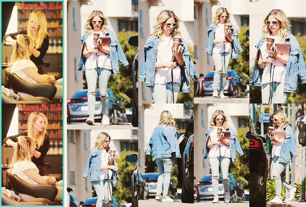 . 28/03/2018Notre Sarah a été repérée quittant un salon de coiffure dans Brentwood à Los Angeles. Elle était vraiment magnifique dans cette tenue décontracté ! C'est quelque chose que nous pouvons facilement porter. C'est un gros coeur de coeur !