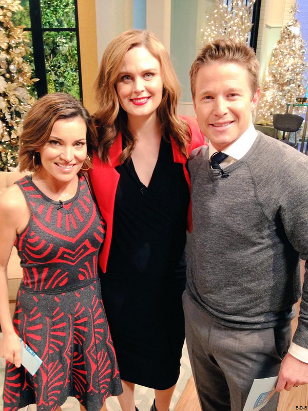 "Emily au ""Access Hollywood Live"" le 11/12/14 ♥"