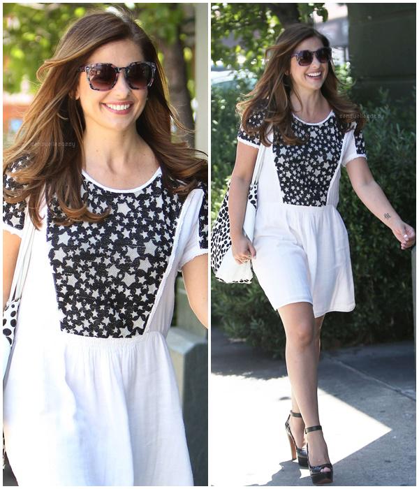 Le 11.08.16 Sarah a été aperçue faisant du shopping à Los Angeles.