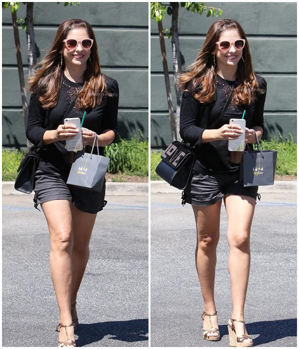 Le 19.08.16 Sarah a été aperçue à Los Angeles.