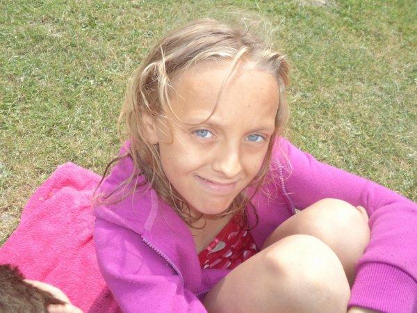 ma petite soeur c yeux son a croquer
