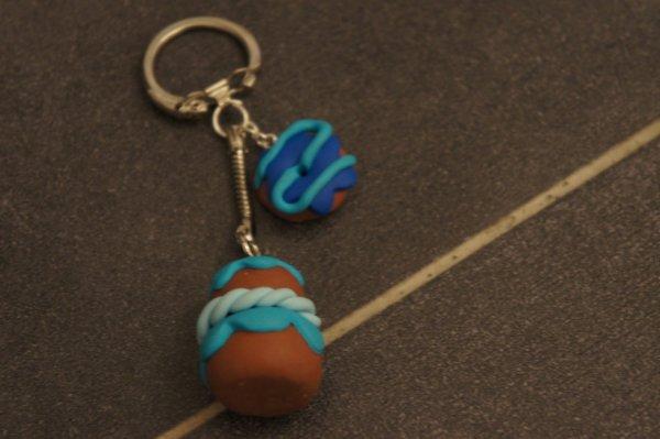porte clé religieuse et donnut