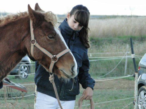 Fin de la journée, ont enlève les pions, résulta j'ai un poney tout friser aha! ♥