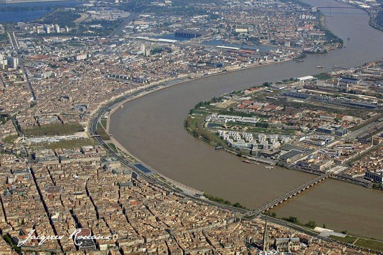 au fil de la Garonne - BORDEAUX Port de la lune