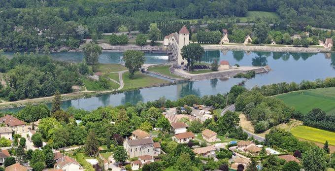 AU FIL DU RHÔNE en France - JONS (Rhône) et VAULX EN VELIN